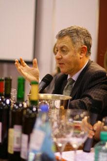 Роберт Джозеф — известный эксперт международного уровня