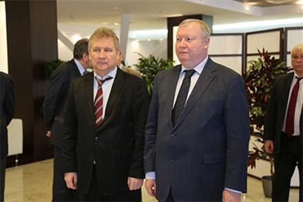 Глава Роспатента Григорий Ивлиев и Генеральный директор ЗАО «Экспоцентр» Сергей Беднов