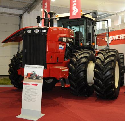 Трактор VERSATILE за 24 часа обработал 417 га земли