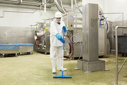 Современные моющие средства для предприятий пищевой промышленности