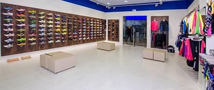 Торговая панель в спортивном магазине
