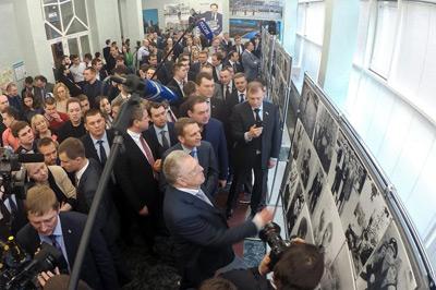 Изготовлены фетровые напольные стенды для фотовыставки на юбилее Владимира Жириновского